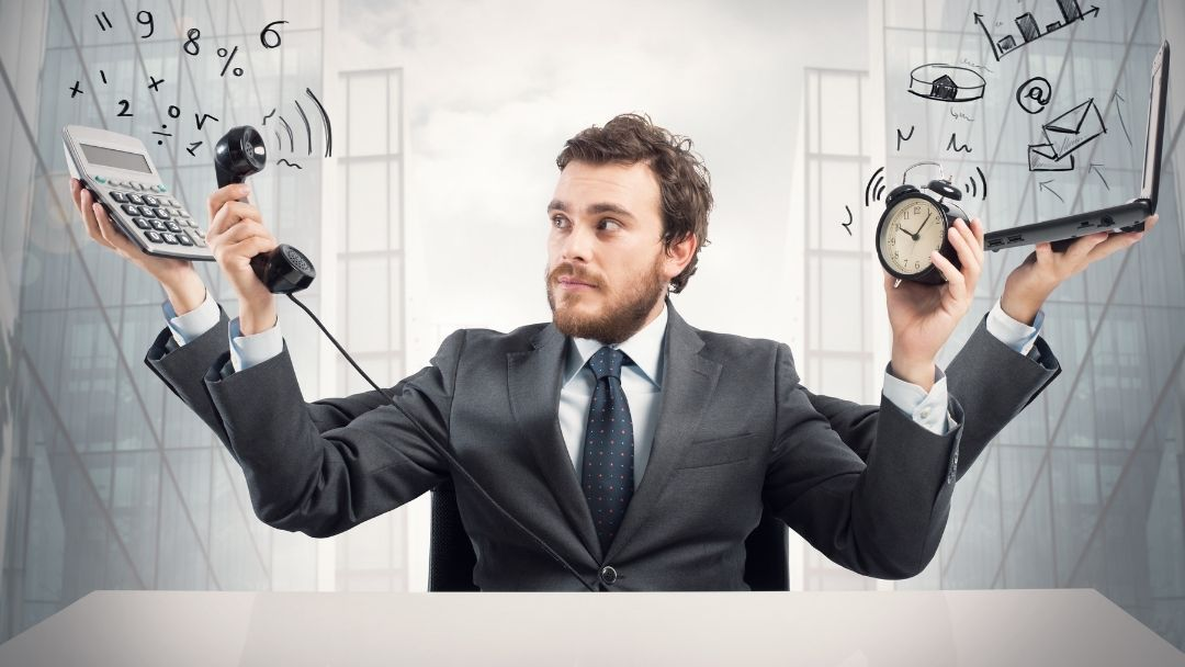 manager multitasking